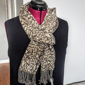 Le Montreux Beige & Brown Print Fringed Knit Scarf